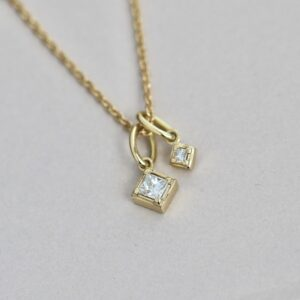 Rå | Classic Diamant vedhæng, M 18 karat JUWELS.DK