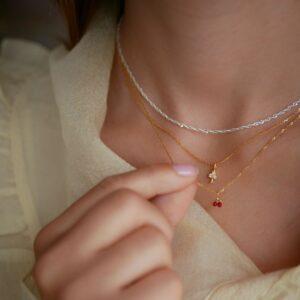 Cherry halskæde – Red Enamel halskæde i forgyldt sølv