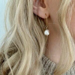 Baroque freshwater pearls Hoops JUWELS.DK
