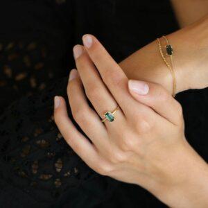 Nord | Green ring, turned 18 karat ring i grøn